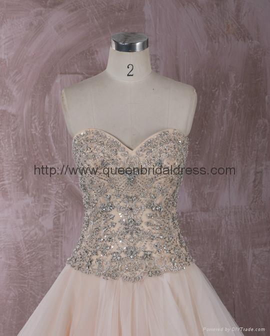 Luxurious strapless  sweetheat A-line wedding dress 2