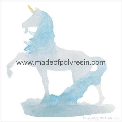 Clear and transparent polyresin horse 1