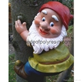Polyresin Climbing Tree Gnome Ornament