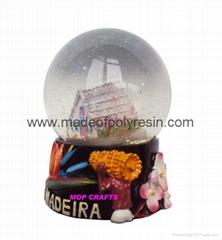 Polyresin Madeira Snowglobe Souvenir  Resin Snow Globe