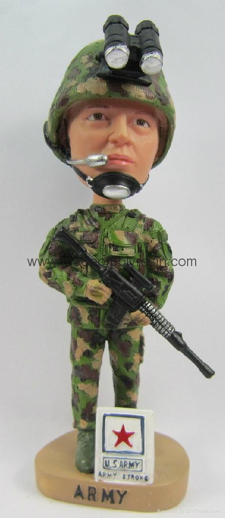 Polyresin Amy/Soldier Bobblehead Doll 1