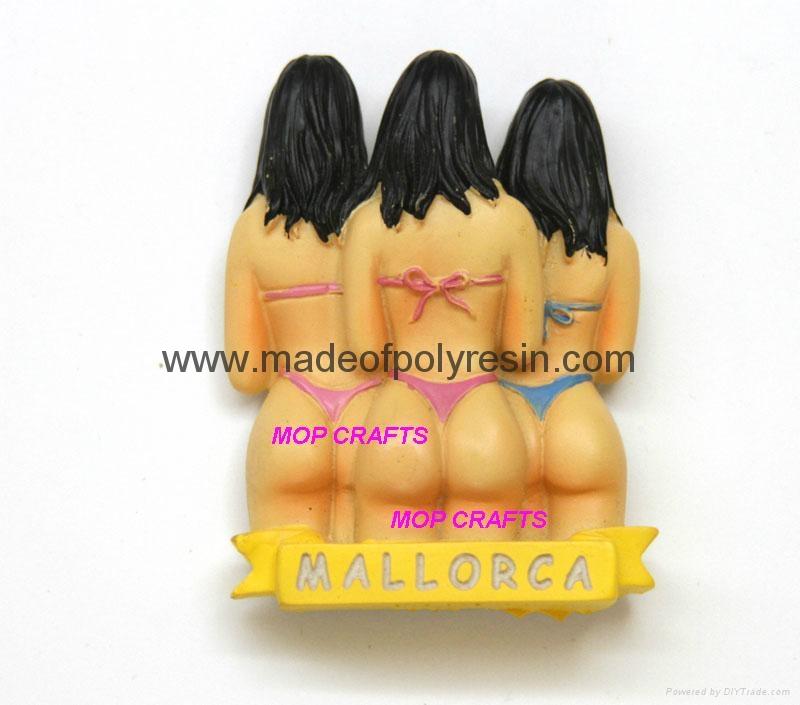 Polyresin Souvenir Fridge Magnet Resin 3 Girls Mallorca Spain 1