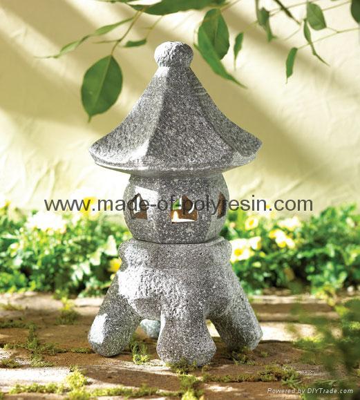 resin old Asian stone lanterns 1