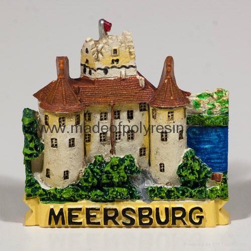 Polyresin Burg Meersburg magnet crafts 1