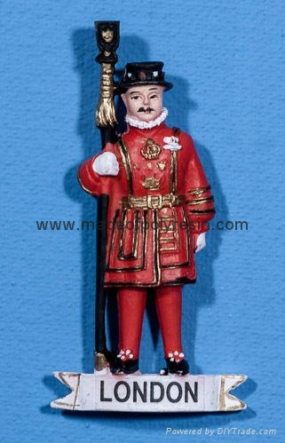 Resin England. London Beefeater of crafts gifts 1
