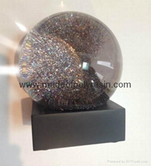 High quality snow globe with soft black surface base