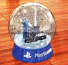 High quality souvenir snow globe with sky building