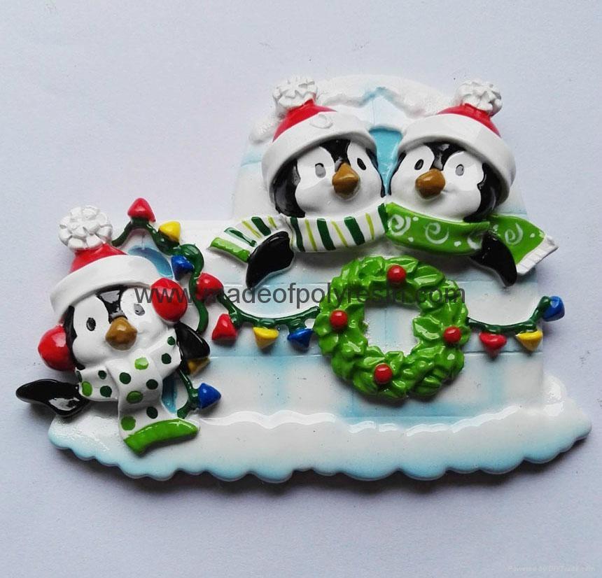 Polyresin Pengium christmas ornament