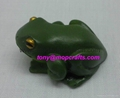 Mini frog statue