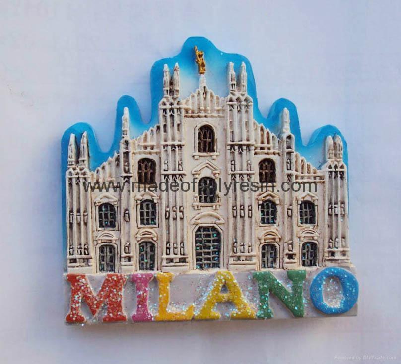 Polyresin Milano souvenir magnet items 1