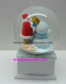 High quality Christmas snow globe with music base 3