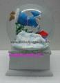 Polyresin Christmas snow ball with music base 2