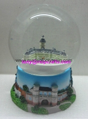 Resin souvenir snowglobe for Germany