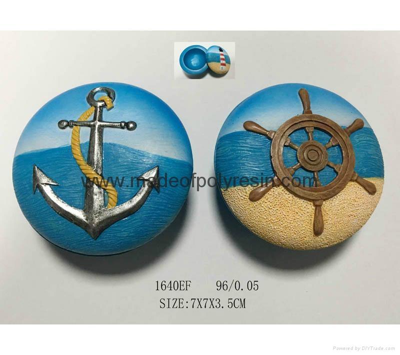 Resin mini box with anchor and rudder 3