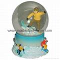 plastic snow Globe with ski man for tourist mountain gifts