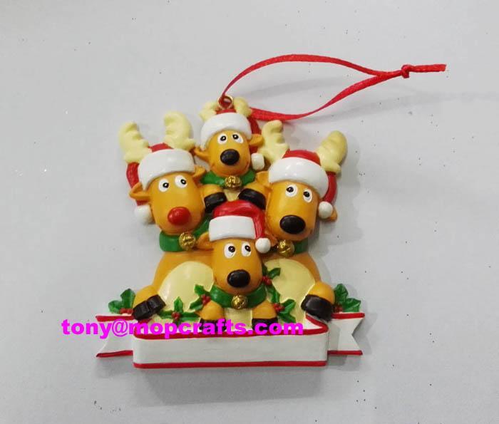 Polyresin deer family christmas ornament 1
