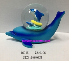 Polyresin Blue dolphin statue with crab snow globe