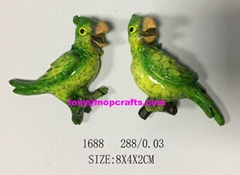 High Quality standing green parrot statue for fridge magnet