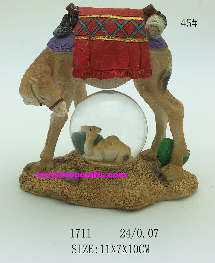 Polyresin camel with snow ball souvenir gifts 1