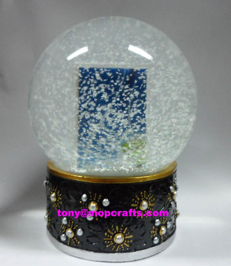 Polyresin snow globe with picture insert function 1