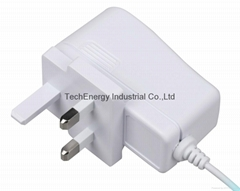 9W White BS Universal Power Adapter