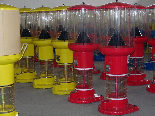 TR604 - Big Spiral Toy Vending Machine 2