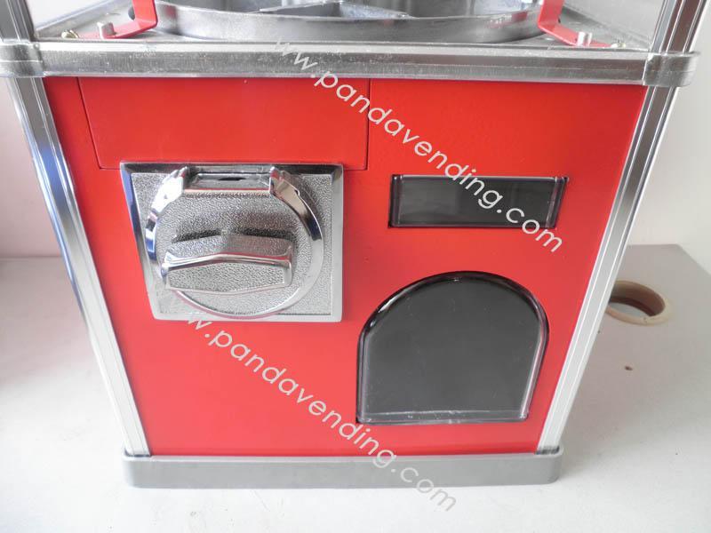 TR300 -  Heavyduty Toy Vending Machine 3