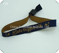 2016 fashion personalize woven wristband clasp with plastic bead
