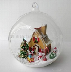 The MINI Christmas glass hut was hanging by voice control outdoor/indoor