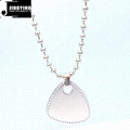China Made High-grade Fashion Titanium Steel Guitar Picks with Lovers Necklace