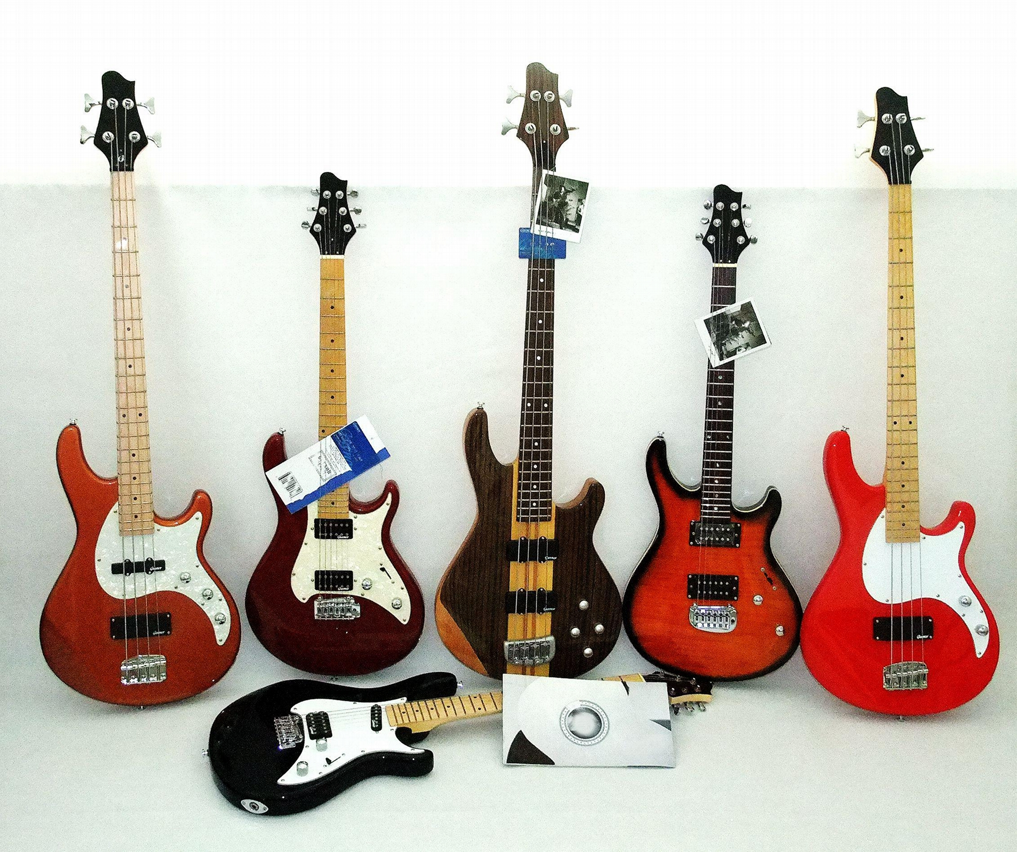 2020 Jingying Music Bass Guitars and Electric Guitars with Custom Brand 1