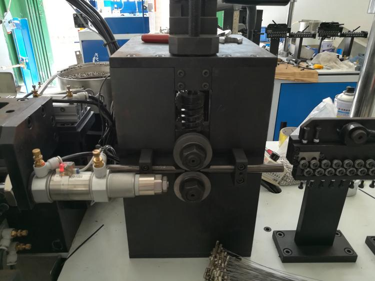 2020 Fully Automatic Guitar String Ball End Twisting Machine 5