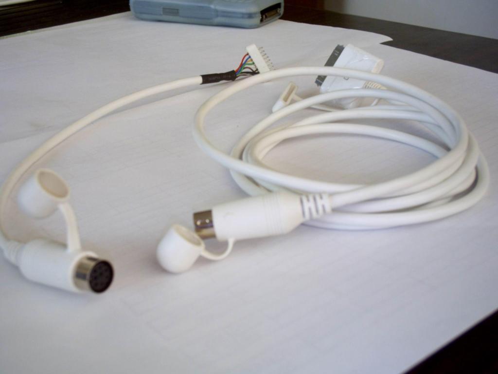 车载DVD IPOD连接线 1