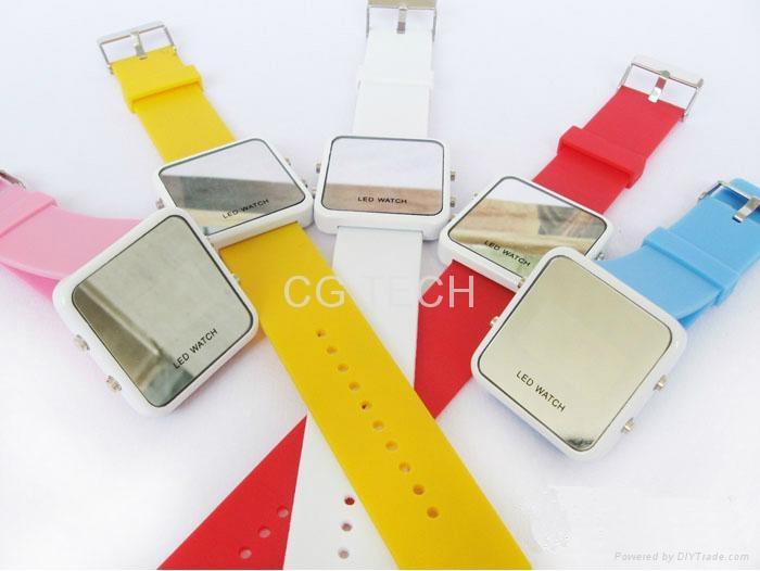 Pop fasion mirror LED digital silicon sports watch  2