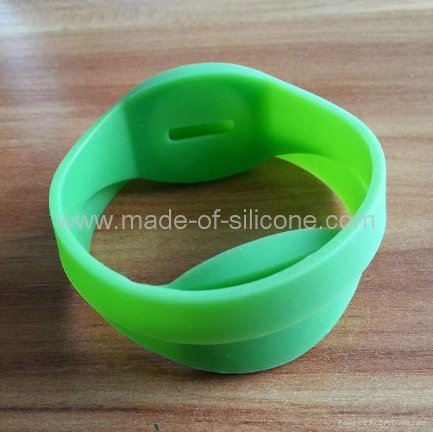 RFID Silicone Wristbands ( DIY ) 1