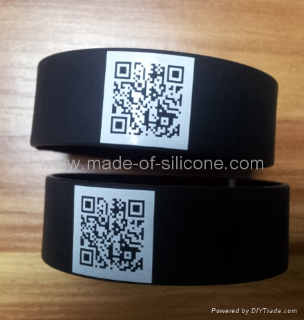 QR code silicone wristband  3
