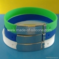 FBM002 Silicone Wristbands with metal clips 2