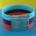 FBM002 Silicone Wristbands with metal clips 3