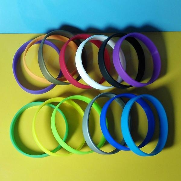 12mm Blank Silicone Wristbands  2