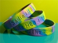12mm  Ink  Filled Rainbow Silicone Wristbands 2
