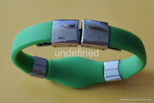 FMB006 Silicone Wristbands with metal clips 2