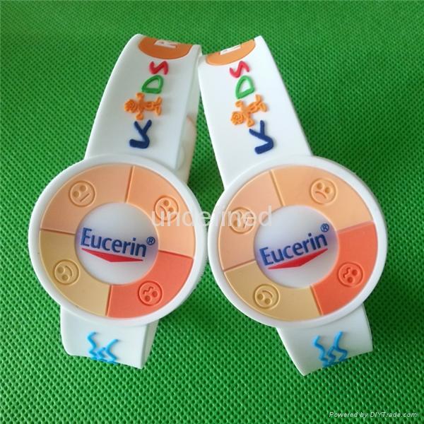 Custom UV Test  Soft  PVC Rubber Bracelets 1