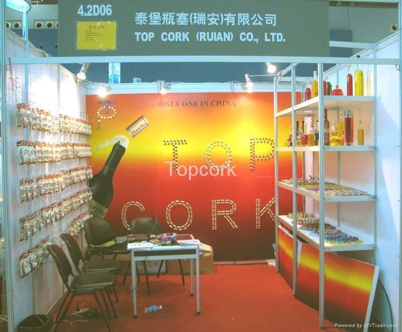 Wine stopper, bottle stopper, synthetic cork