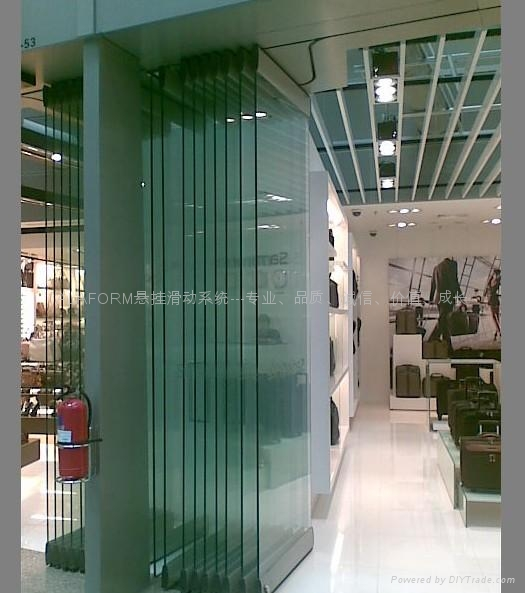 Multidirectional glass movable wall systems ala 700 for Movable glass wall systems