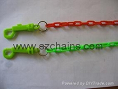Plastic chains, warning chains