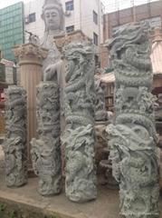 厂家直销(寺庙雕刻)龙柱-青石盘龙柱