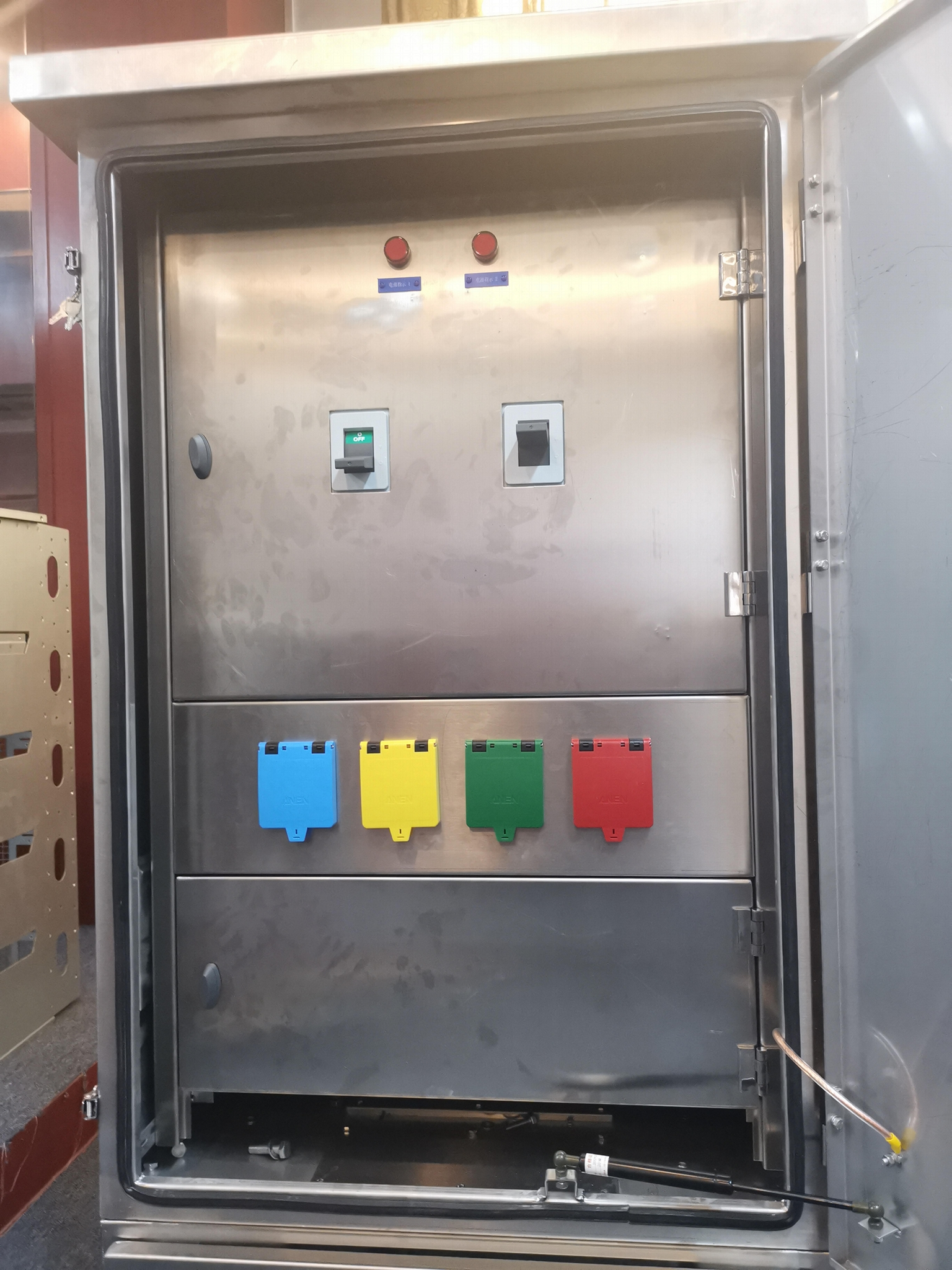 ANEN 低壓應急發電車接入箱 1
