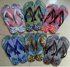 2021非洲及中東暢銷流行的硬底款中國產的913 高檔橡膠哈瓦那款拖鞋