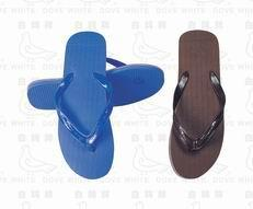 畅销非洲 中东 中南美洲 东南亚洲的白鸽牌 冠军鸽 吉利牌塑料微孔拖鞋
