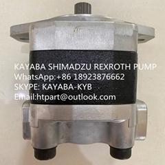 小松平地機GD705A齒輪泵KFP3250AFMSSH